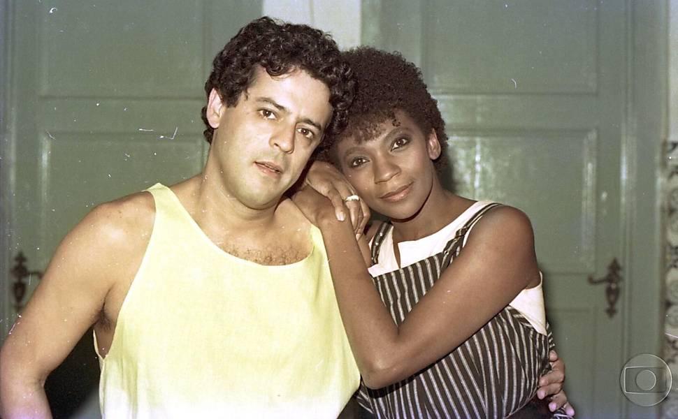 Marcos Paulo e Zezé Motta - Corpo a Corpo