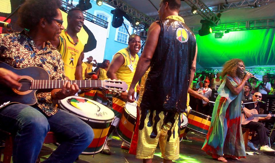 Zezé Motta Pelourinho, com Olodum