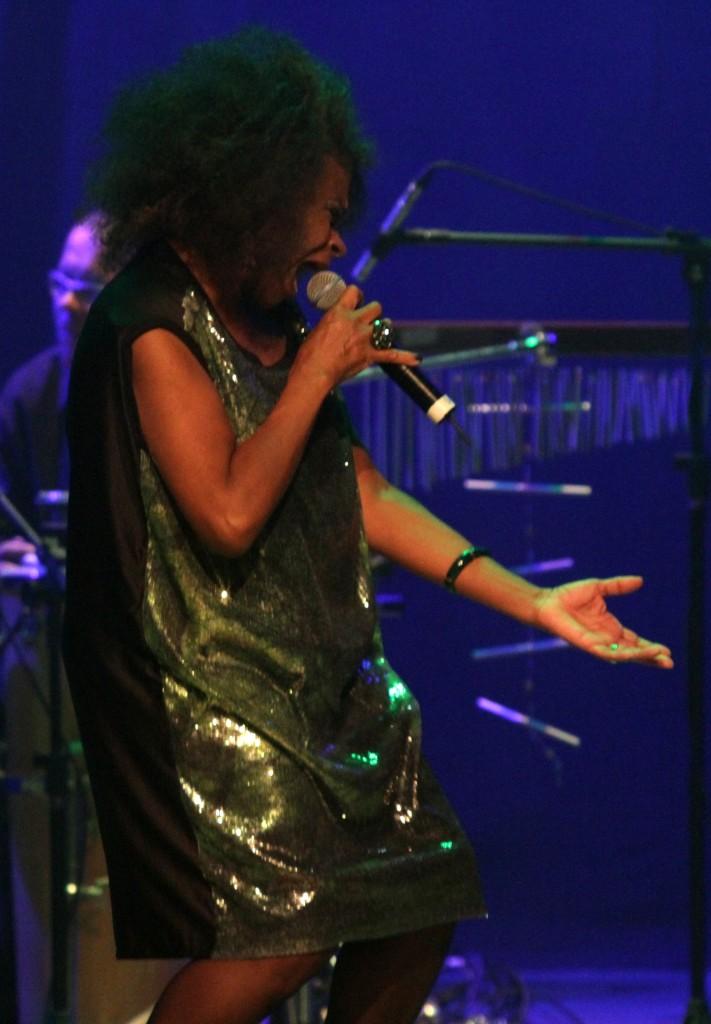 Zezé Motta nos 03 anos da Turnê Negra Melodia