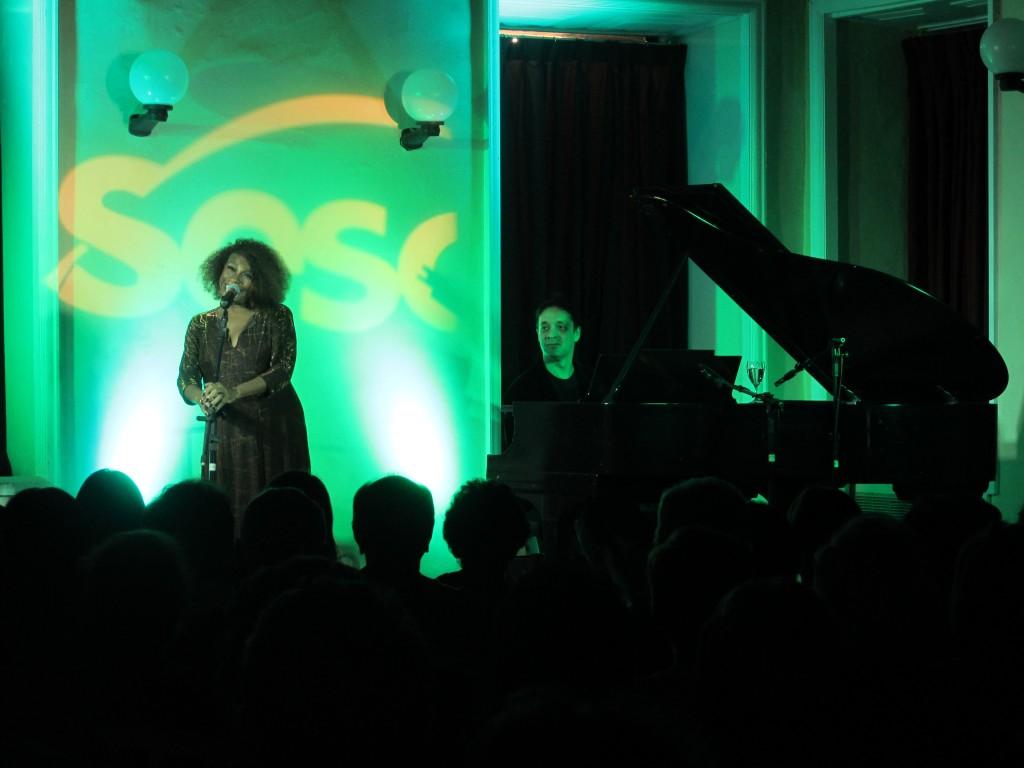Zezé Motta show Divina Saudade no Sesc Tijuca