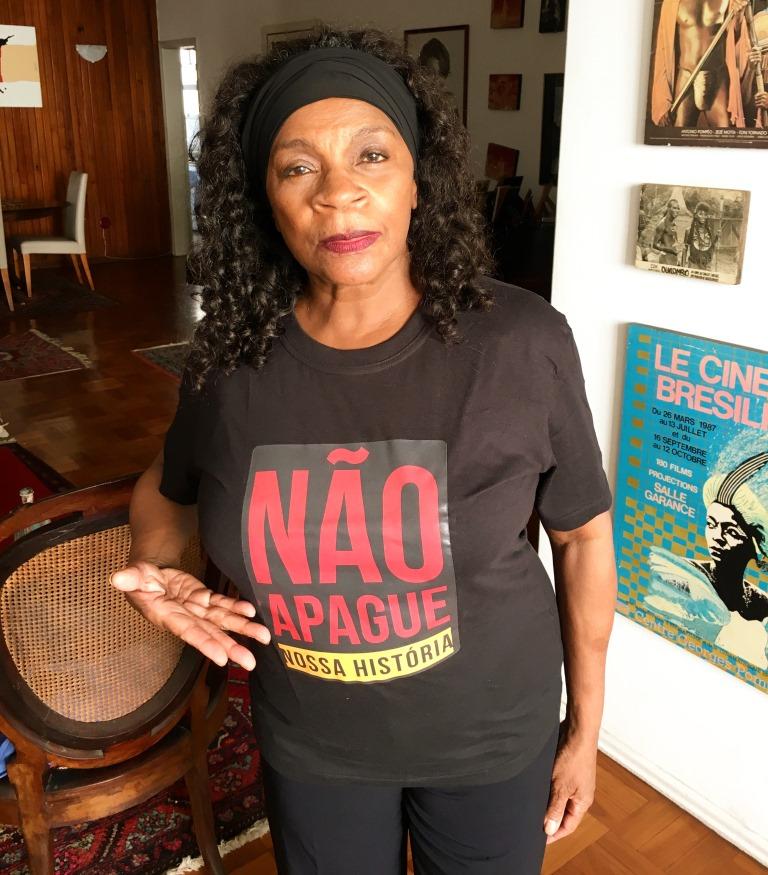 Zezé Motta na campanha Não Apague Nossa História